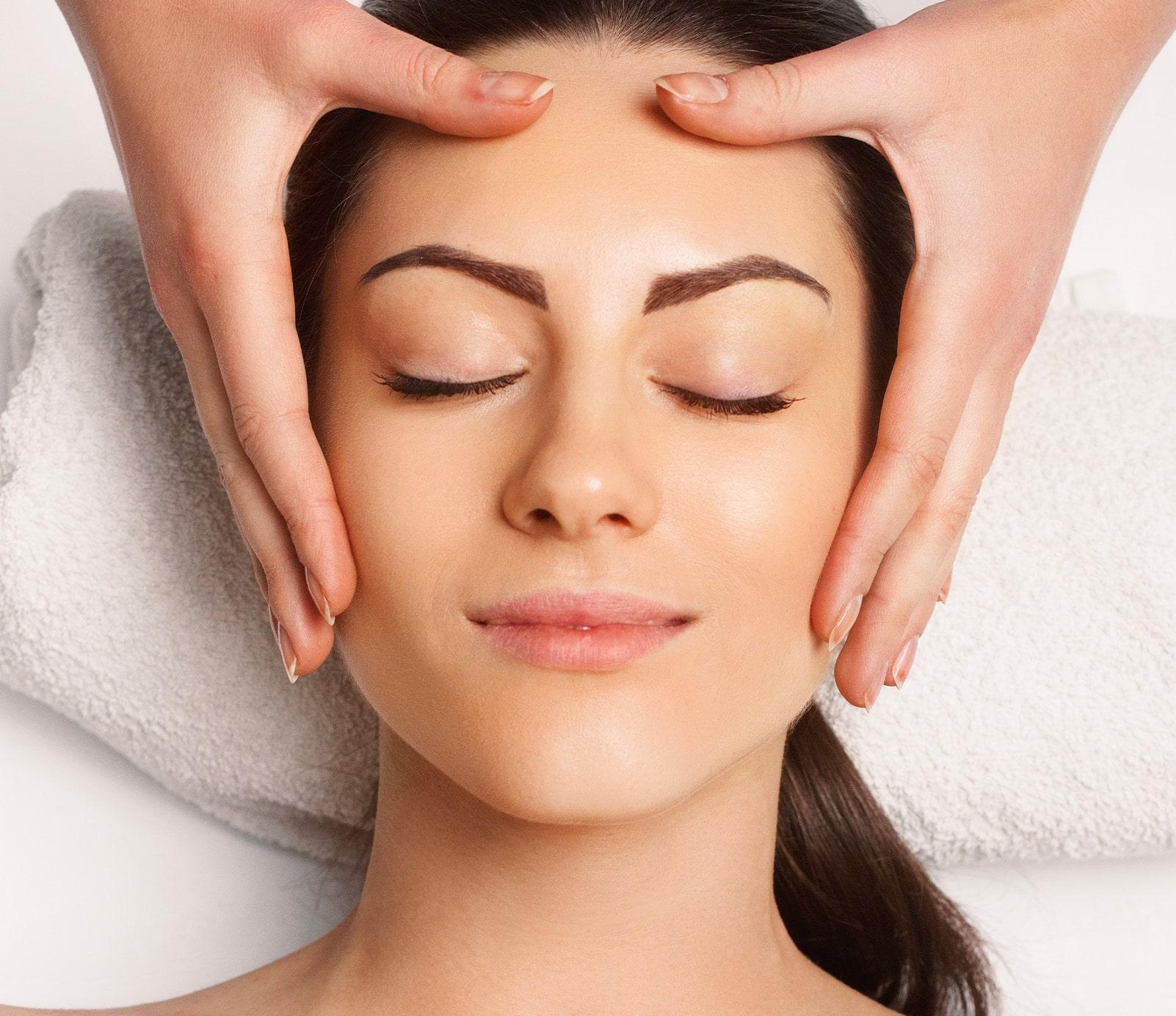 Massage visage : soins du visage   découvrez le prix de cette technique à Paris   BCBG