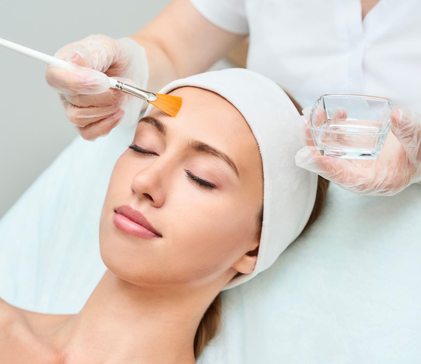 Peeling : Nettoyage dermatologique   découvrez le prix de cette technique à Paris   BCBG